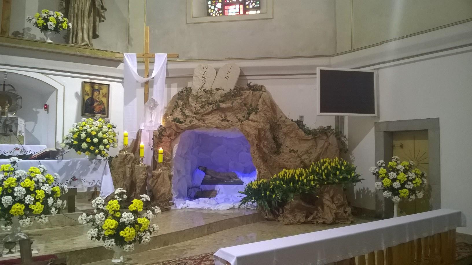 Wystrój Kościoła Na Wielkanoc 2016 Parafia św Apostołów
